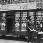 The Third Peace Loan was also known as the  'Diggers' Loan'. A miniature Commonwealth Bank acted as one of the Inquiry Offices. PN-001846